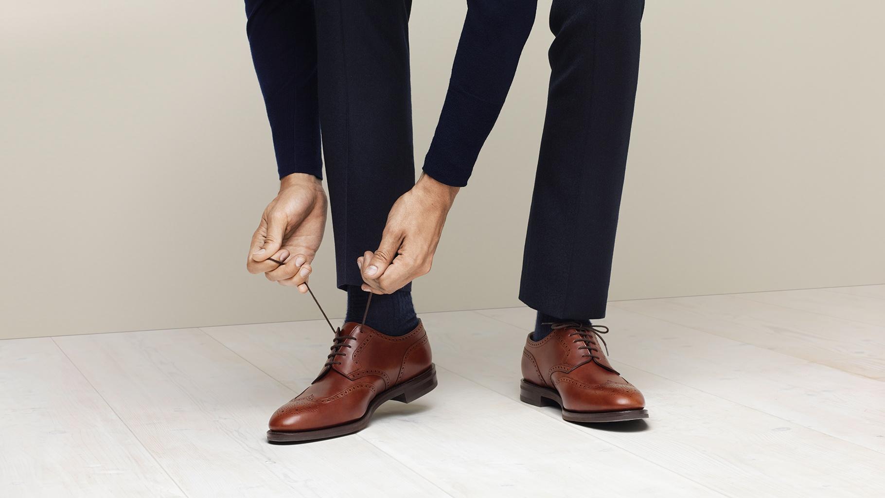 Фото мужчины в туфлях