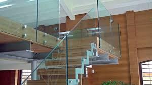 Преимущества стеклянных ограждений
