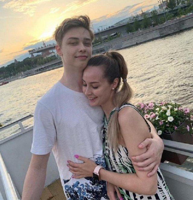 Звезда «Дома-2» Мария Слугина обнародовала романтичное фото с сыном Королевой и Тарзана
