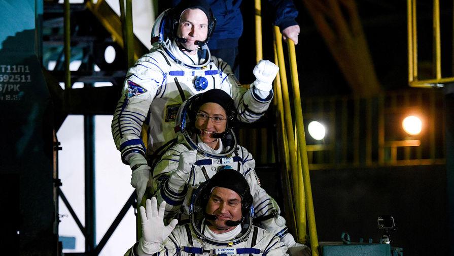 Стала известна зарплата российских космонавтов