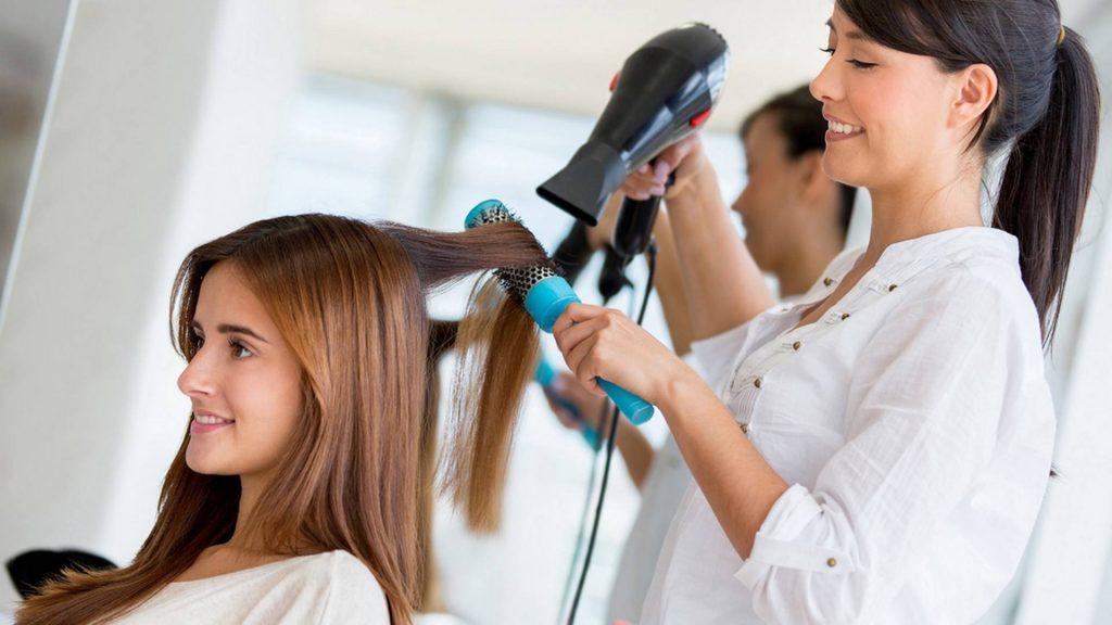 День парикмахера 2020: картинки и открытки с праздником