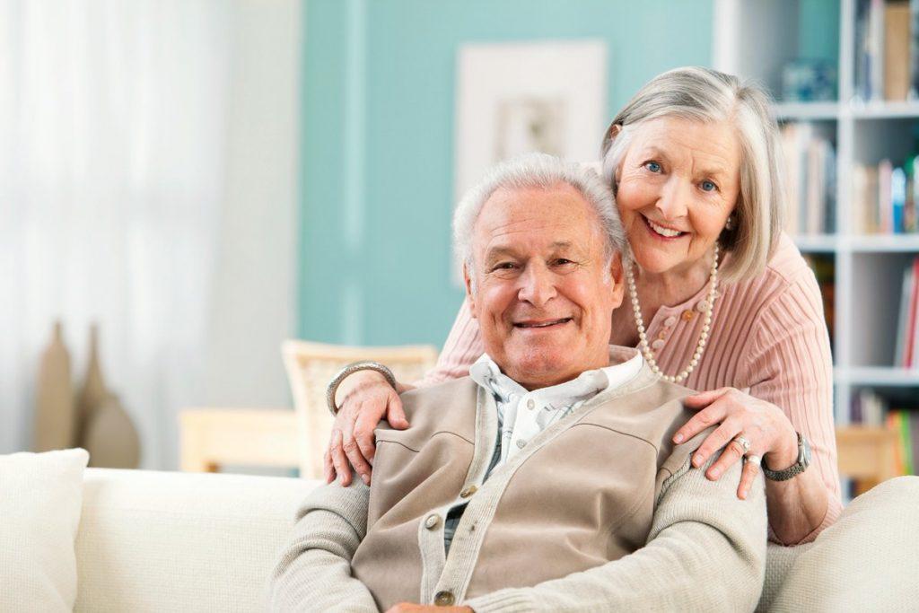Пенсии работающим пенсионерам с 1 сентября 2019 года: кому повышение и насколько