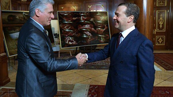 Медведев на Кубе проведет переговоры с лидером страны Диас-Канелем