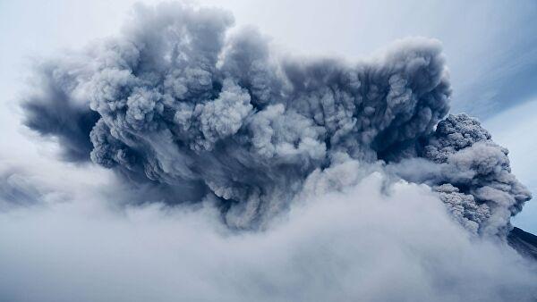 Работа аэропорта в Маниле нарушена из-за вулканического пепла