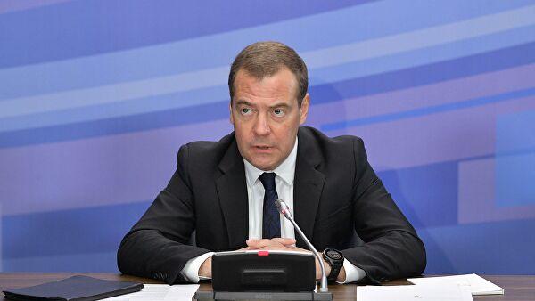 Медведев проведет в понедельник заседание бюро высшего совета ЕР