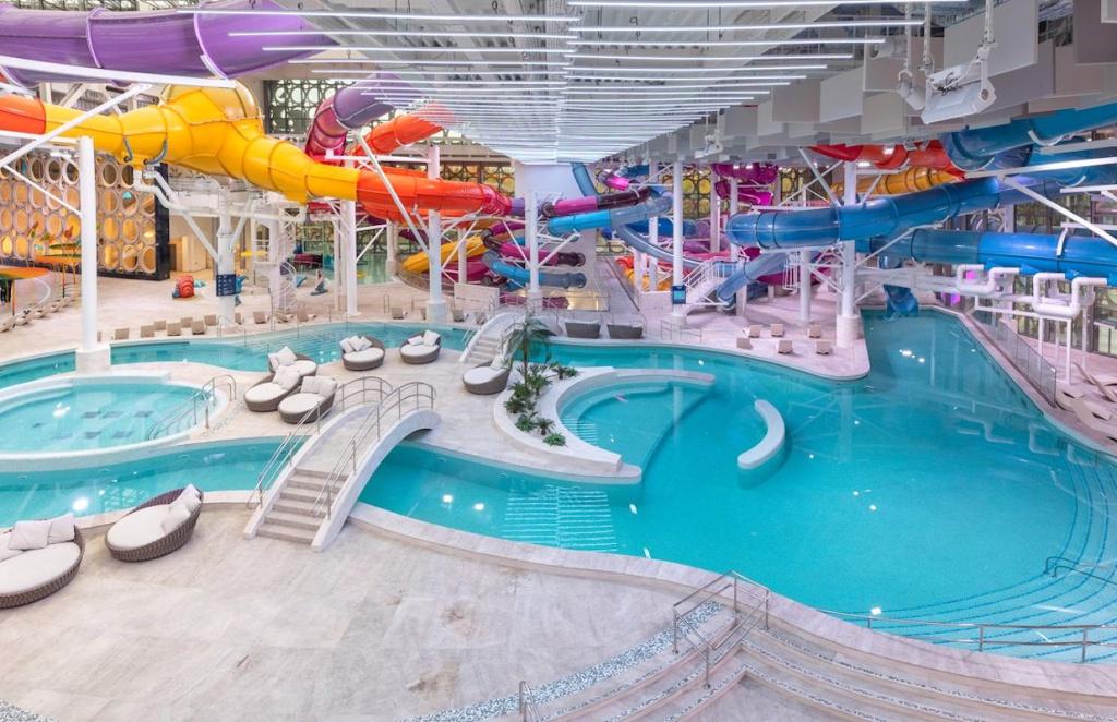 В Москве закрылись аквапарки, бассейны и фитнес-центры