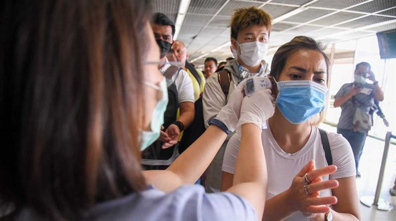 Сидите дома: Роспотребнадзор призвал избегать общественных мест в связи с коронавирусом