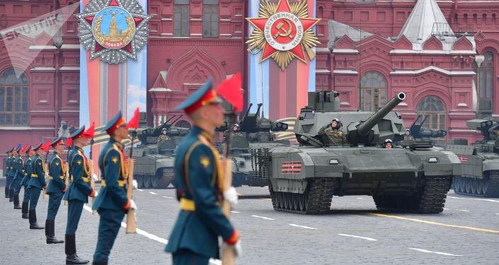 Парад Победы в России отменять не будут
