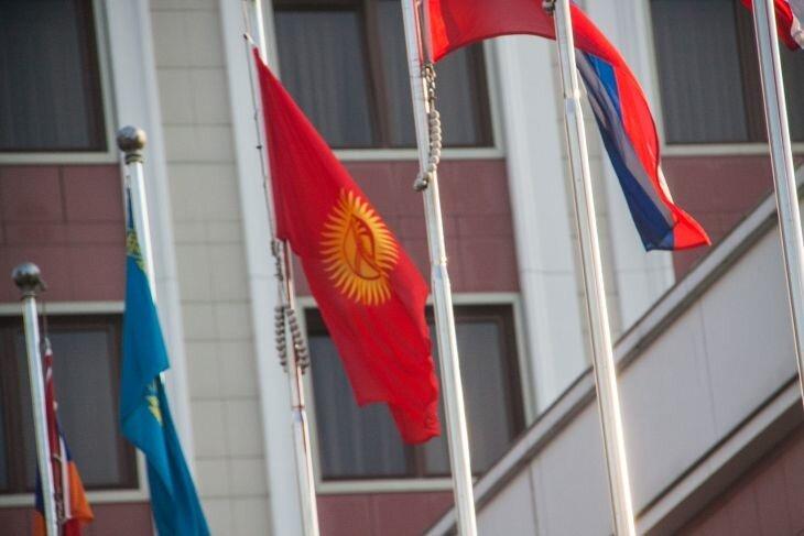 Стали известны предварительные результаты выборов президента Кыргызстана