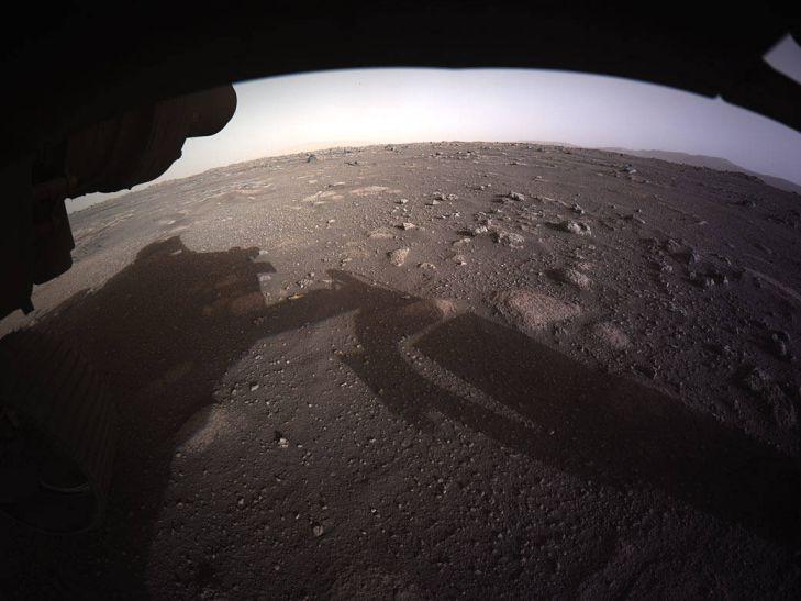 Первые цветные фотографии с Марса: снимки посадки Perseverance