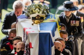 Принц Филипп, муж королевы Елизаветы II похоронен в Виндзоре