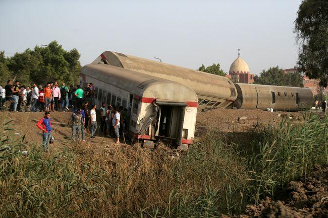 В Египте при крушении поезда погибло 8 человек и 100 пострадало