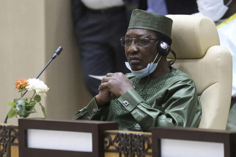Бессменный президент Чада умер. Власть взяли военные