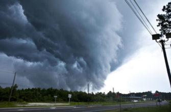 Юг США пострадал от разрушительных торнадо