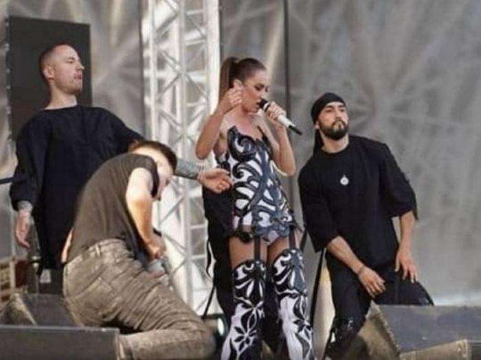 Бузова разберётся с теми СМИ, которые выдумали фейк о её поведении на волгоградской концерте