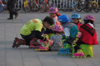 В Китае власти разрешили иметь в семье до трёх детей