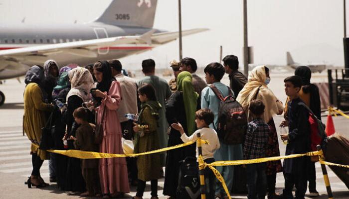 Талибы заблокировали доступ жителям Афганистана доступ к в аэропорт Кабула